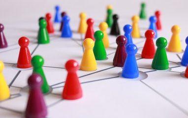 许多网站和论坛致力于教师合作但是最好的PLN活动正在社交媒体网络上发生