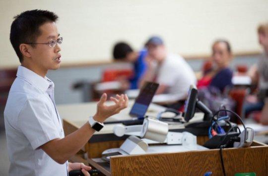提出问题 测试可以改善学生对新材料的学习