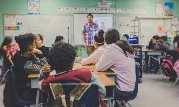 今天的教师必须成为连接教育者