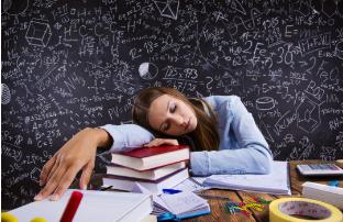 人类的大脑仍然能够在睡眠时感知声音