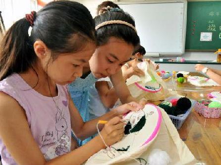 外语教师面临的最大挑战之一是让他们的学生接受母语人士
