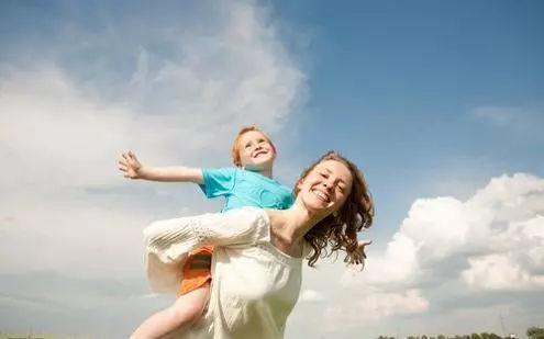 亲子共读受欢迎 家长的陪伴是最好的教育