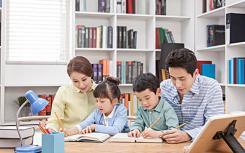 全球知名的战略性家庭治疗教育家就治愈家庭暴力问题发表演讲