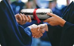 Chipotle成为快速休闲行业中首个大幅扩展教育收益的公司