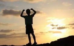 根据孩子的能力对孩子进行分组这严重影响了学生的自信心