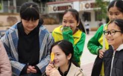 近百名广东大学生志愿服务山区向乡村中小学出发