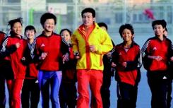 25年助养带跑一位体育老师的另一场马拉松