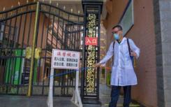 大学生返校高峰将至高校防疫从校门到宿舍全覆盖