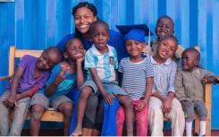 黑人少年建立了非营利组织 向肯尼亚孤儿传授艺术