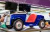 劳斯莱斯的一次性电动汽车返回工厂进行维修工作