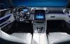 梅赛德斯奔驰的2022AMGSLRoadster配备可翻动的触摸屏