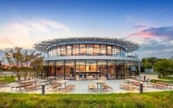 戴森工程技术学院自2021年起授予自己的学位